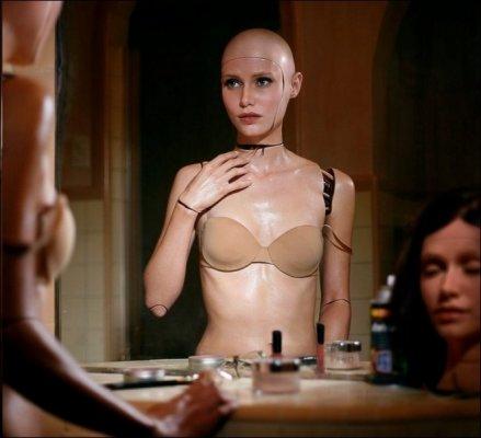 female-robots09